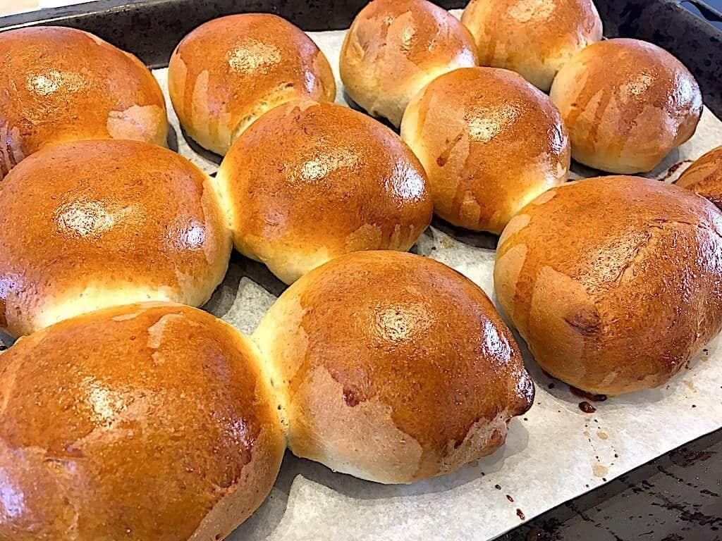 billede med bagte grovboller