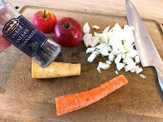 billede med grøntsager til gammeldags oksesteg