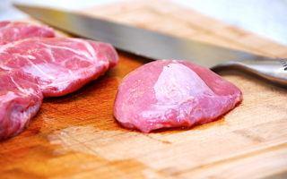 billede med svinekæber på skærebræt