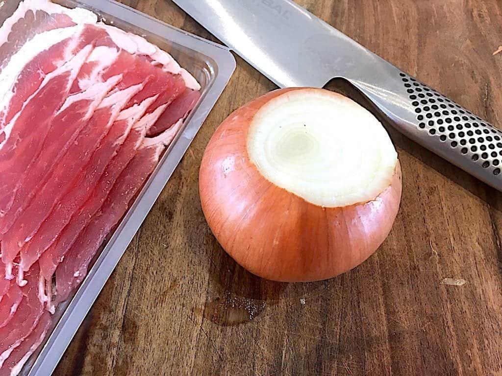 billede med bacon og løg til løgringe med bacon