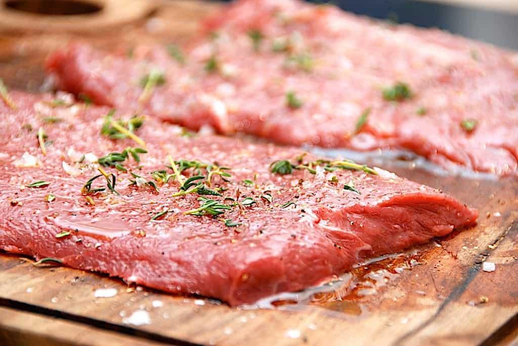 Flat iron steak – nem opskrift, marinade og stegetid