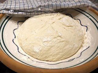 billede med hævet italiensk pizzadej
