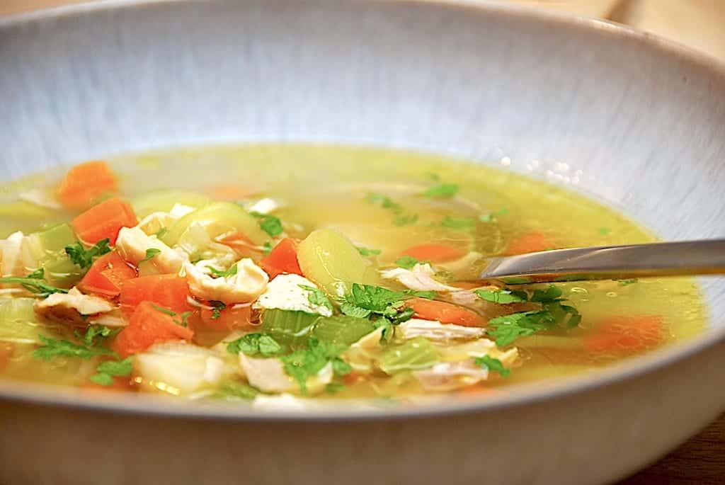 billede med hjemmelavet suppe i tallerken
