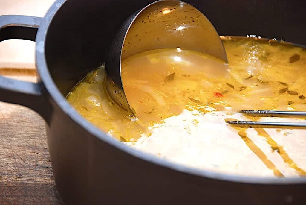 Løgsuppe - nem opskrift på suppe med løg