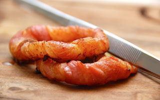 billede resultat for løgringe med bacon