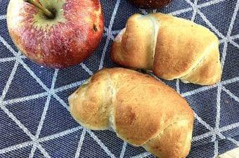 billederesultat for gammeldags æblehorn med hjemmelavet æblekompot