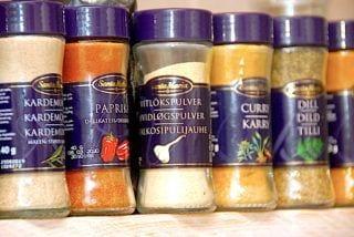 billederesultat for krydderier på krydderihylde