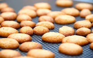 gammeldags pebernødder med fløde