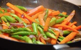 honningglaserede grøntsager
