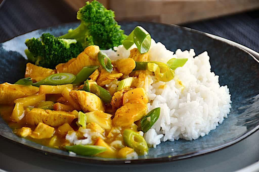 Kylling i karry - nem opskrift på 25 minutter med ris