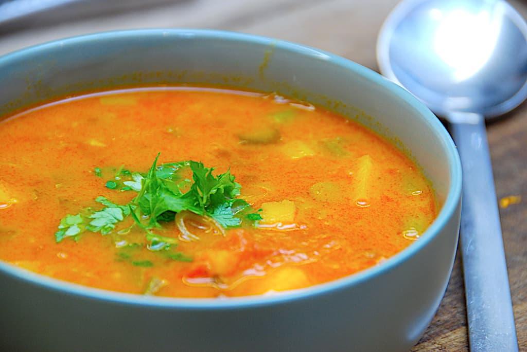 Mulligatawny - indisk suppe uden kød på 25 min.