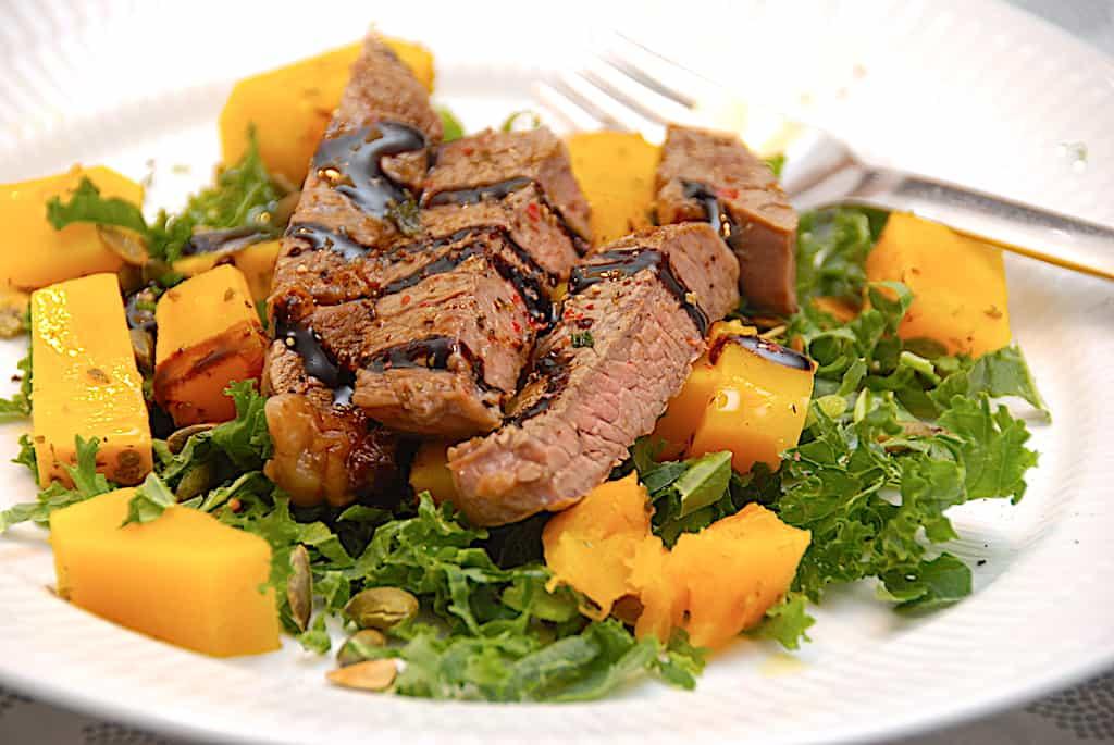 oksekød med græskar og grønkål