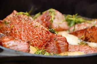 Grydestegt oksespidsbryst med verdens bedste sauce