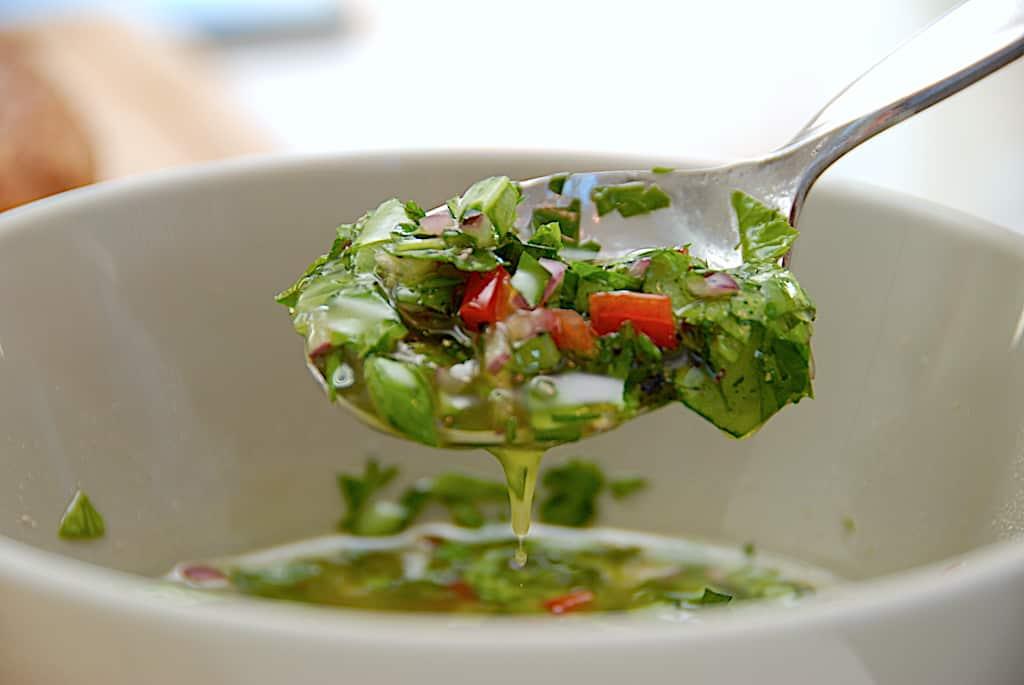Chimichurri - nem og krydret sauce til kød og kylling!