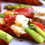 billede med crostini med asparges og skinke