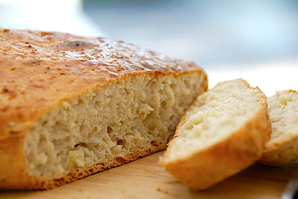 Havregrynsbrød i gryde - nemt brød med havregryn