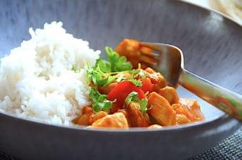 kylling og kikærter - nem indisk karryret med ris