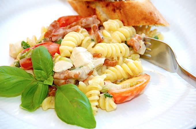 one pot pasta med kylling og bacon