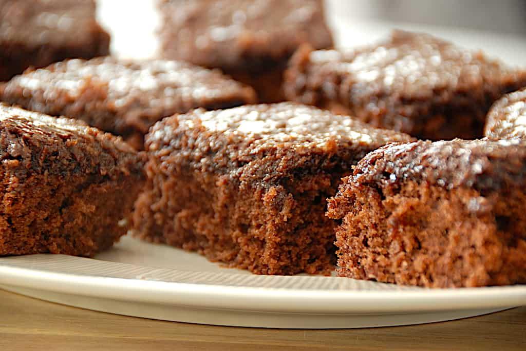 Den du ved nok kage - bedste opskrift på den populære kakaokage