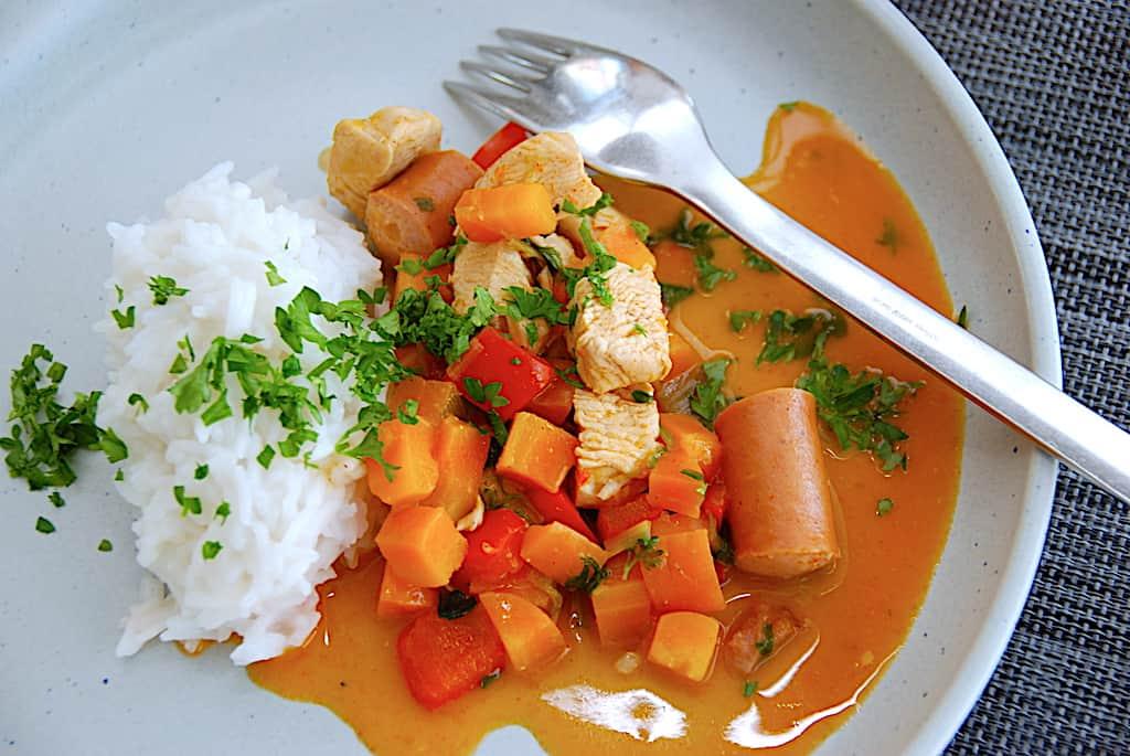 Kylling med ris – opskrift på nem sammenkogt gryderet