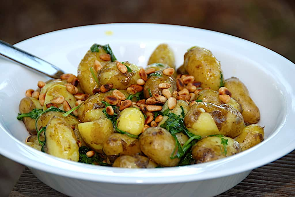 Nem kartoffelsalat med rucola og dressing