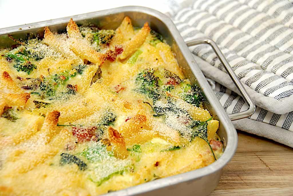 Bagt pasta - nem opskrift med broccoli og bacon