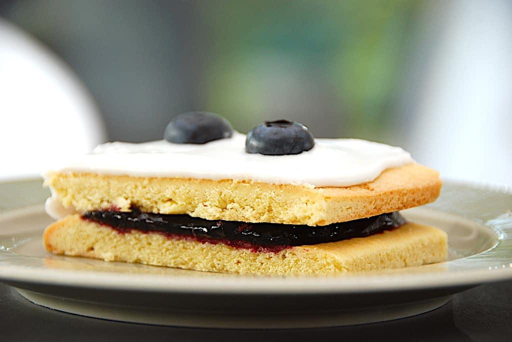Blåbærsnitter - nemme kagesnitter med blåbær