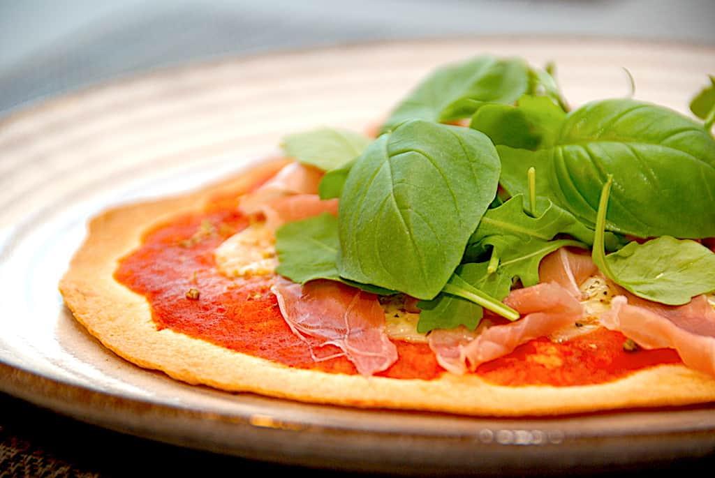 Tortilla pizza - nem opskrift på hurtig pizza med tortillas