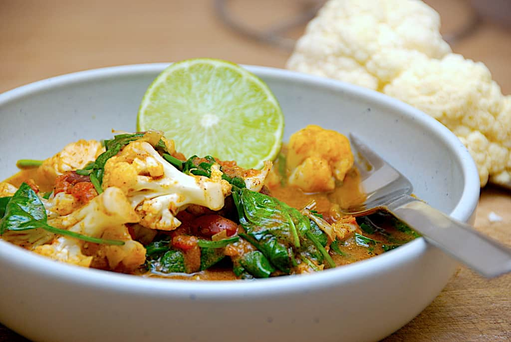 Blomkålscurry - indisk vegetar mad med blomkål