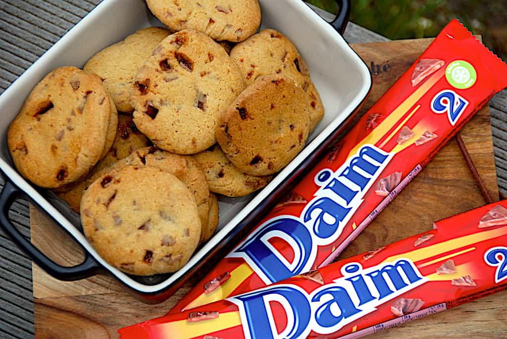 Daim cookies - nem opskrift på lækre kager med Daim