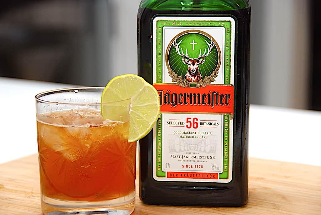 Jäger Tonic drink