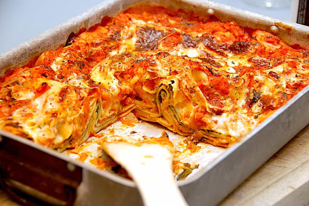 Rodfrugtlasagne - opskrift på sund lasagne uden kød