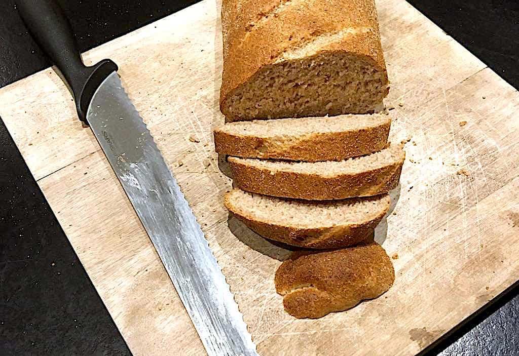 Grahamsbrød - bagerens egen opskrift på grahamsbrød