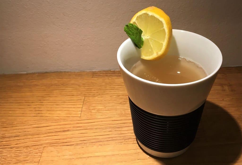 En kop ingefær-te