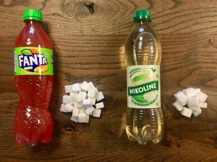 Der er sukker svarende til 31 sukkerknalder i en halv liter Fanta Exotic sodavand, mens der i Nikoline Hyldeblomst kun er 17 sukkerknalder. Foto: Miamaja Mithril / Madens Verden