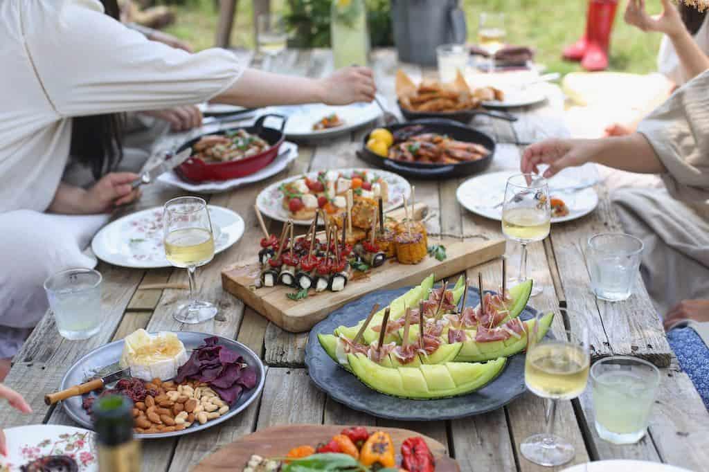 Du kan skabe succesfulde måltider, hvor duft, smag og præsentation gør alle glade ved hjælp af syv enkle råd.