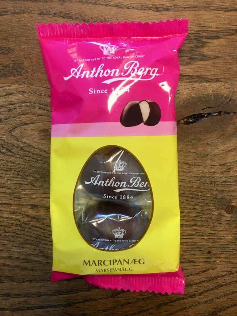 Smagstest af marcipanæg, Anton Berg Marcipanæg