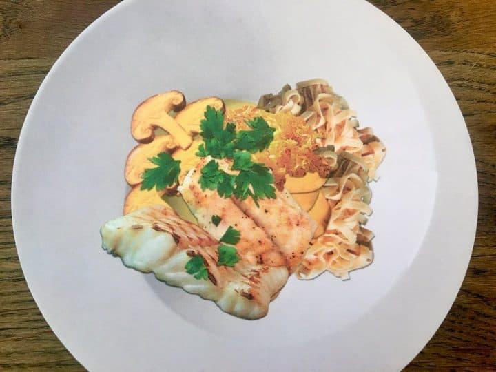 Bagt pighvar er en luksusspise, som du bør unde dig selv. Prøv den sammen med svampe, jordskokker og frisk pasta. Foto: Modelfoto fra projekt FiSK.