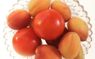 Tomater og abrikoser med C-vitaminer