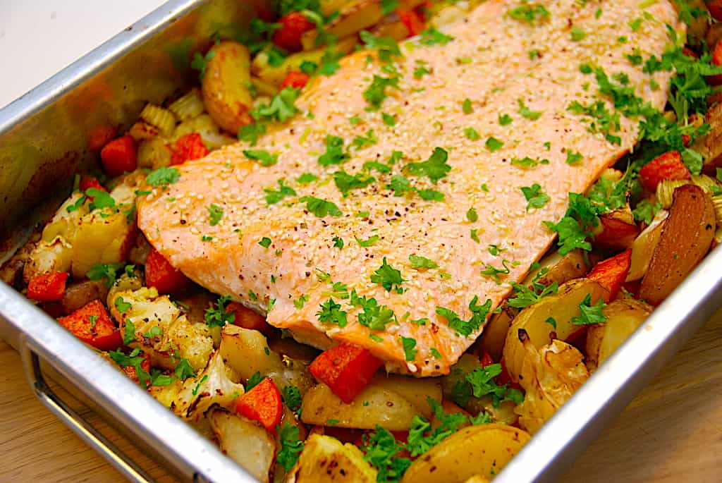 Laks med rodfrugter i ovn - sund og nem aftensmad