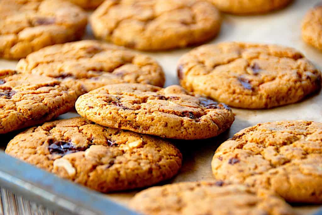 Chokolade cookies - opskrift med mørk Guldbarre