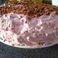 lagkage med hindbær og makron