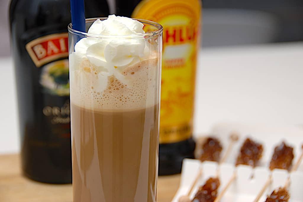 Irish Coffee med Baileys og Kahlua