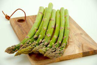 sådan redder du slatne asparges