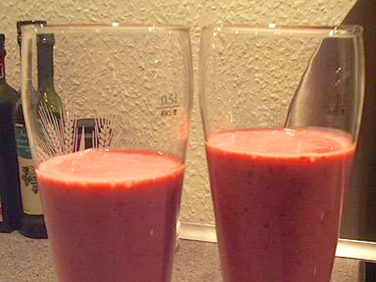 Smoothie med soyamælk og hindbær på 2 minutter