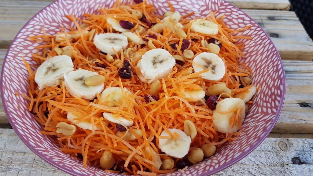Abesalat - lækker salat med banan til børn