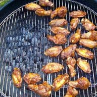 chicken wings med blue cheese dressing