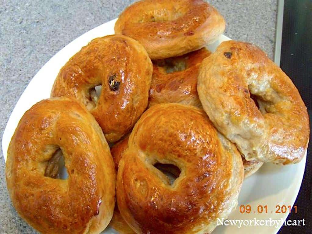 Hjemmelavede bagels - nem opskrift med kanel