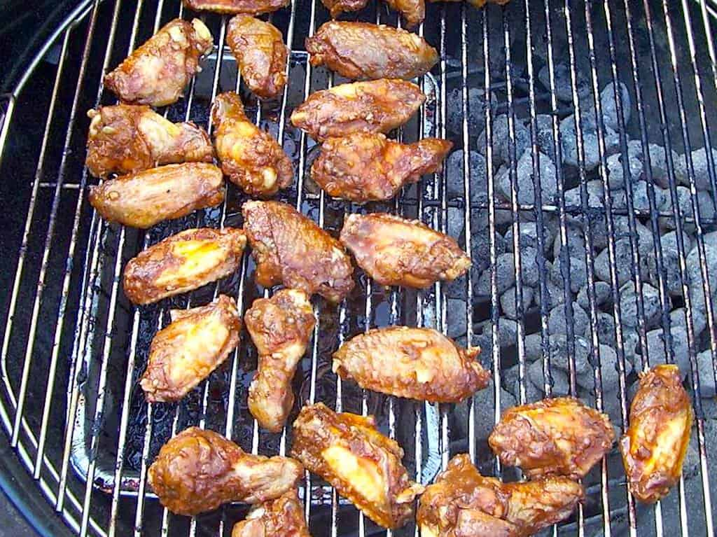 Hot wings med coleslaw a la KFC