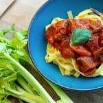 italiensk gullasch med pasta